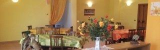 casa di riposo per anziani, ristorante, ambiente felice e confortevole