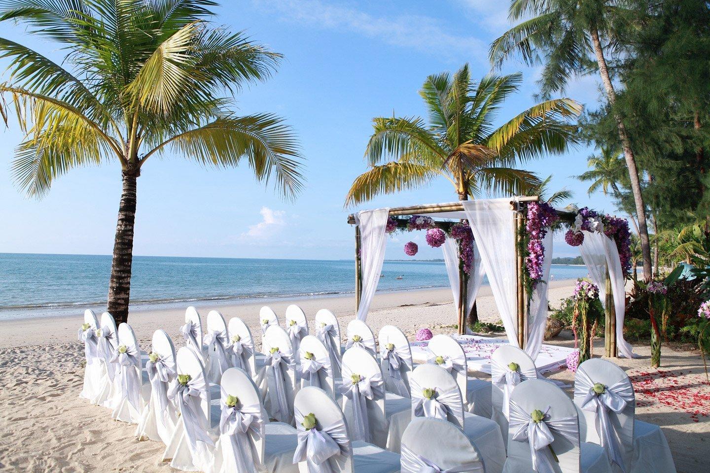 Allestimento location matrimonio in spiaggia