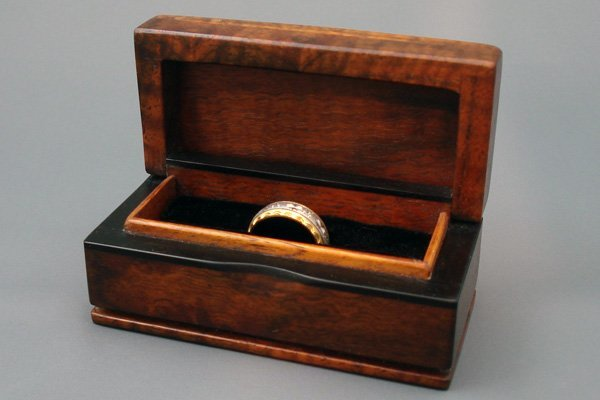 Walnut Ebony Ring Box
