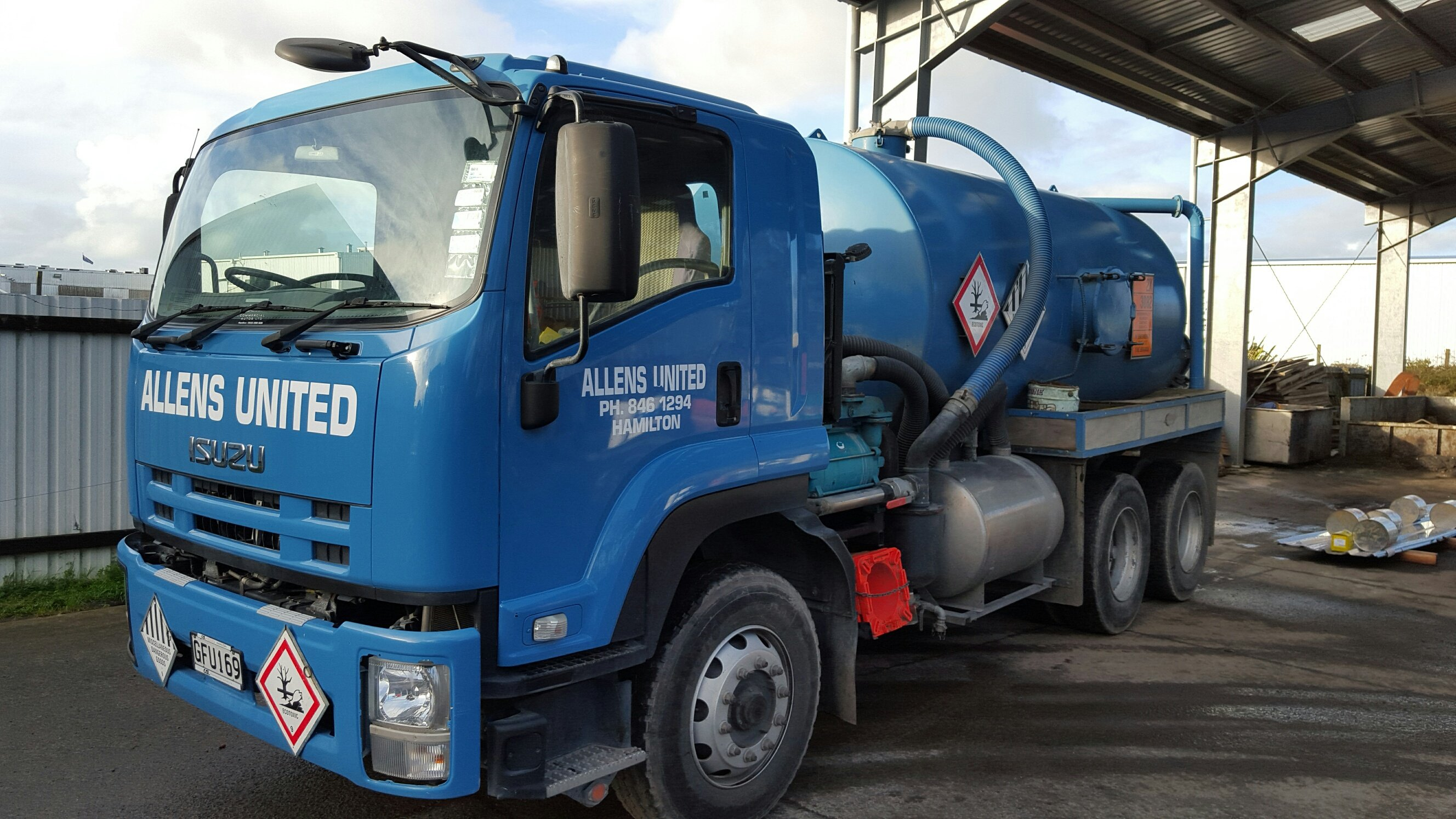 Liquid waste disposal services in Dinsdale