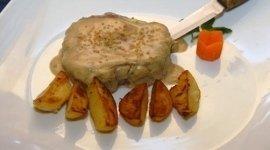 patate, coltello, salsa allo zenzero
