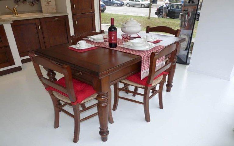 tavoli in legno ravenna