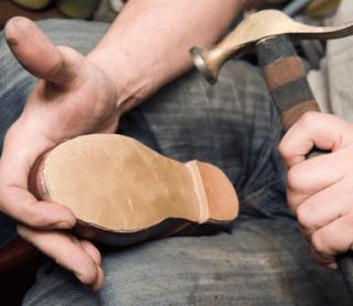 riparazione di calzature
