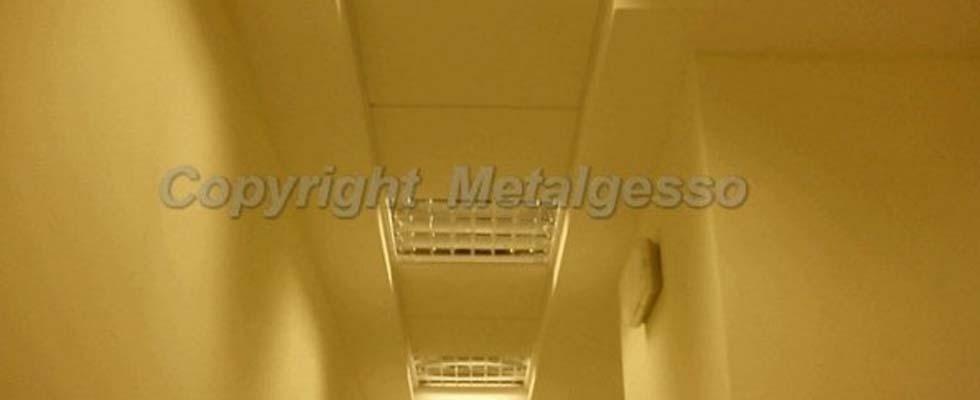 Contro soffitto a pannelli