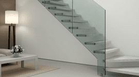 Scale in marmo e vetro