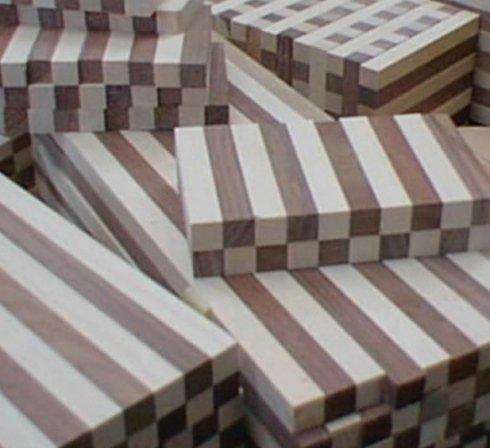assemblati e incollati in legno