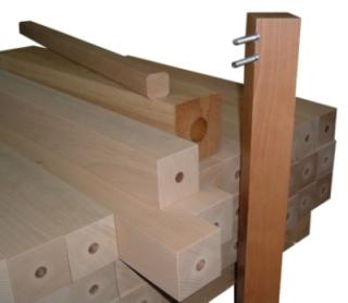 Gambe in legno per tavoli