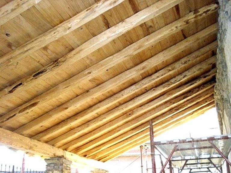 Tetto legno massello with tetti in legno moderni for Galimberti case legno