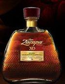 una bottiglia di Hennessy XO