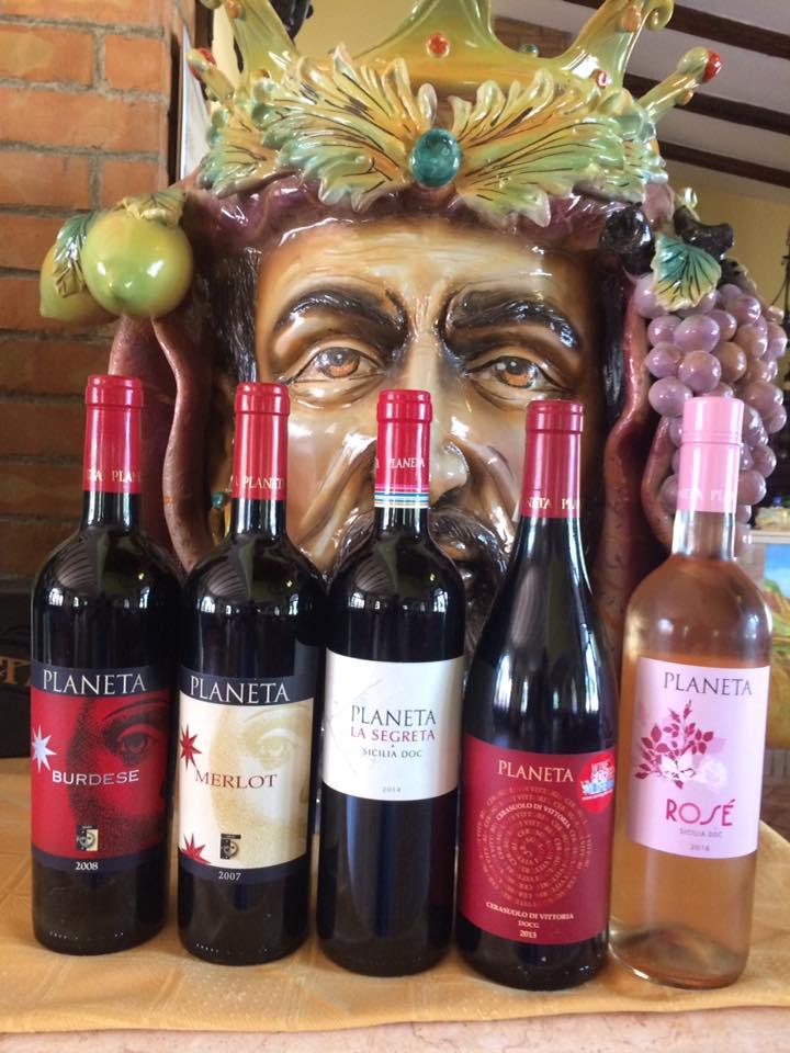 vini rossi e rosé a marchio Planeta