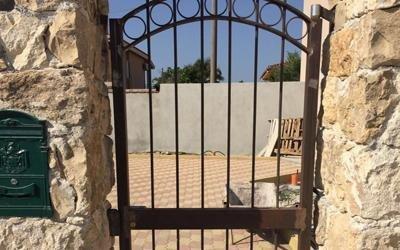 Cancella di accesso in ferro battuto