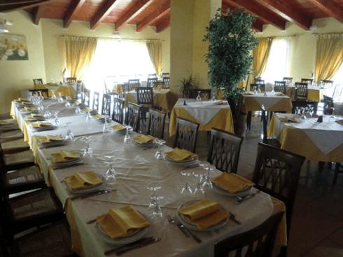 tavolata in un ristorante