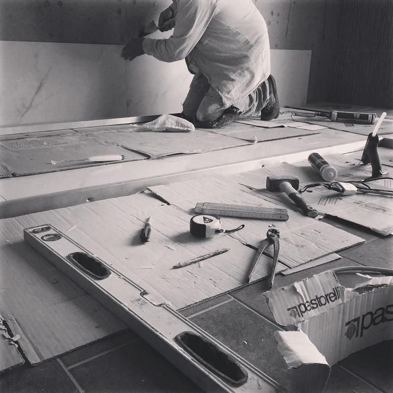 operaio durante una manutenzione