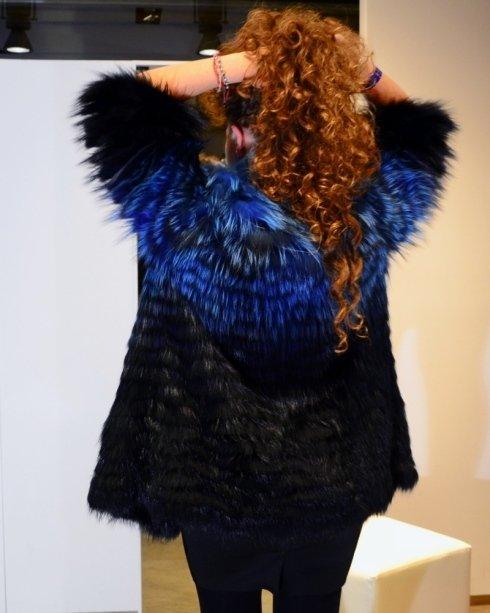 Pelliccia nera e blu