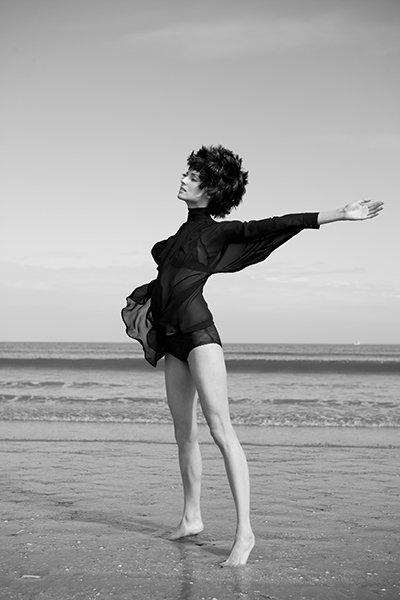 model dancing in the sea