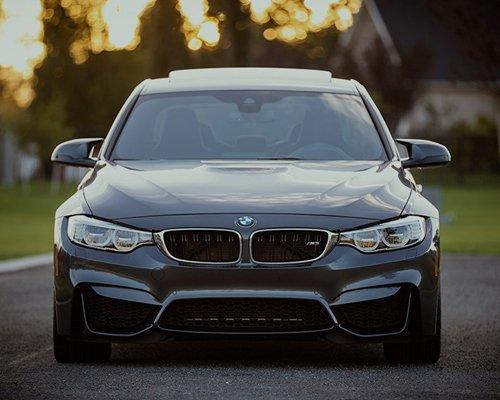fronte auto BMW