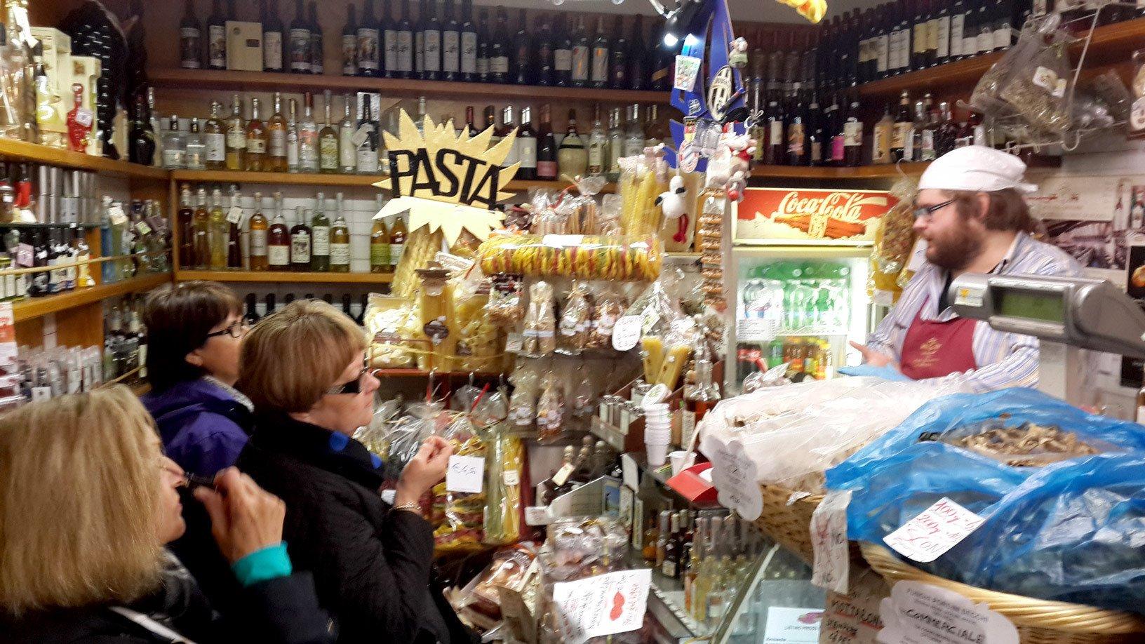 Enjoy the tour at market