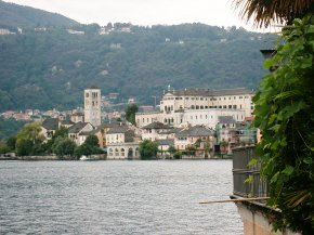 Italy tours enjoy the Stresa, the jewel of Lake Maggiore)