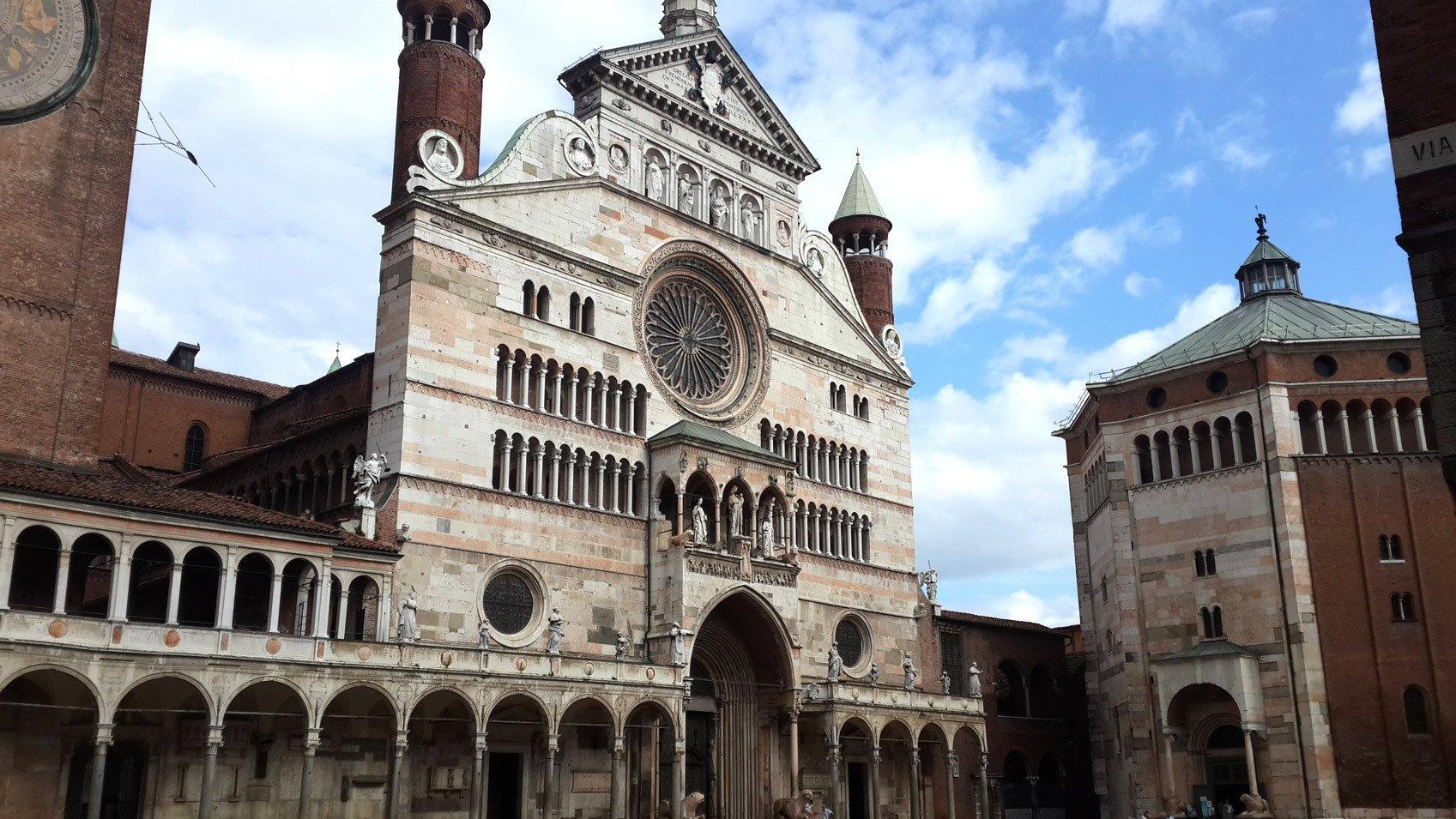 Visit Cremona- Castell'Arquato - Italy Tours
