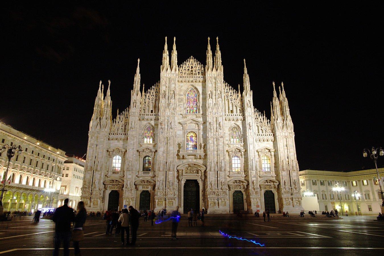 Italy tours brings you to big beautiful church