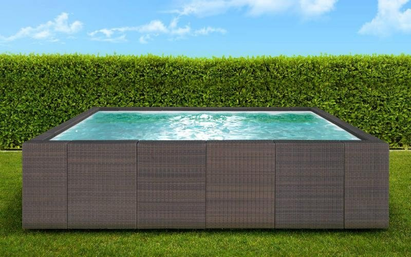 piscina fuori terra design marrone