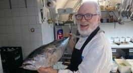ristorante di pesce, piatti di pesce, pesce crudo