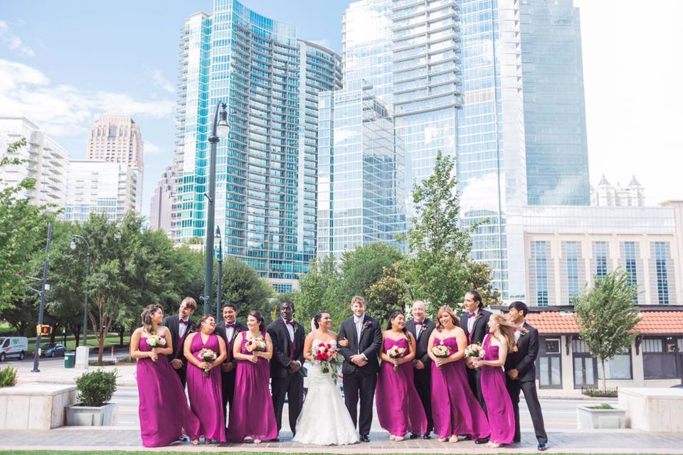 Wedding Couples with bridesmaids and groomsmen