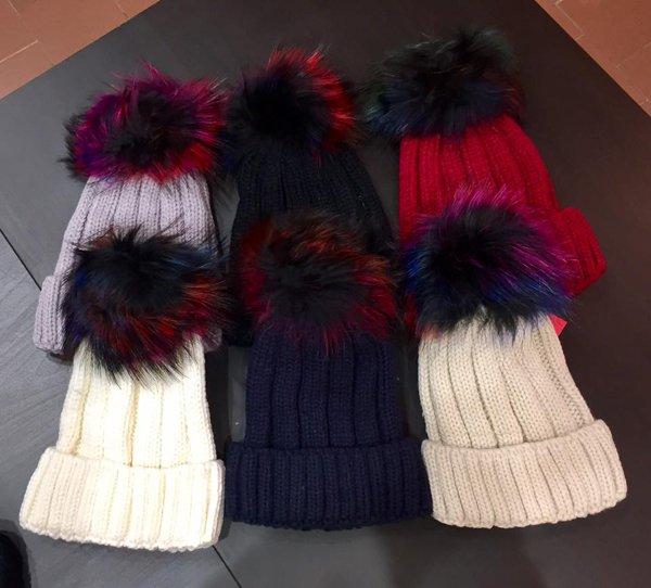 Cappellini di lana presso Cheeky Abbigliamento a Rimini
