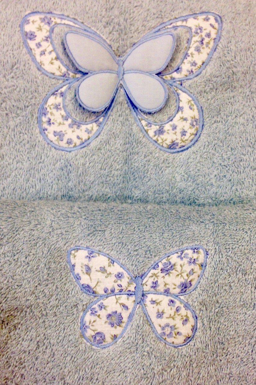 Spugne con farfalle applicate
