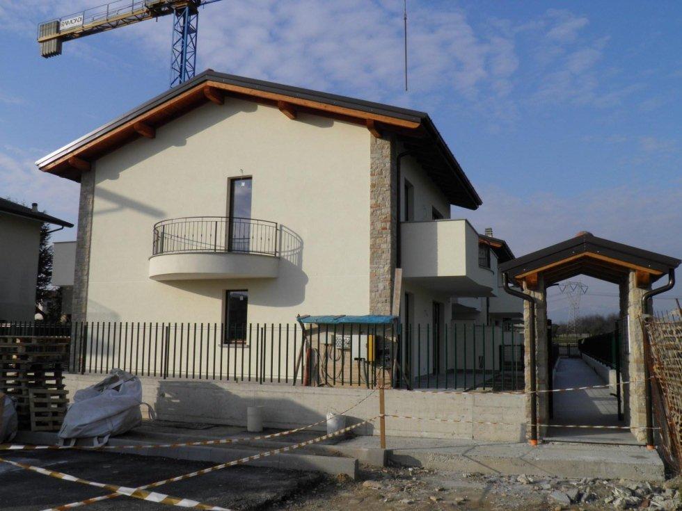 4 locali basiano brianza agenzia immobiliare vivere casa com