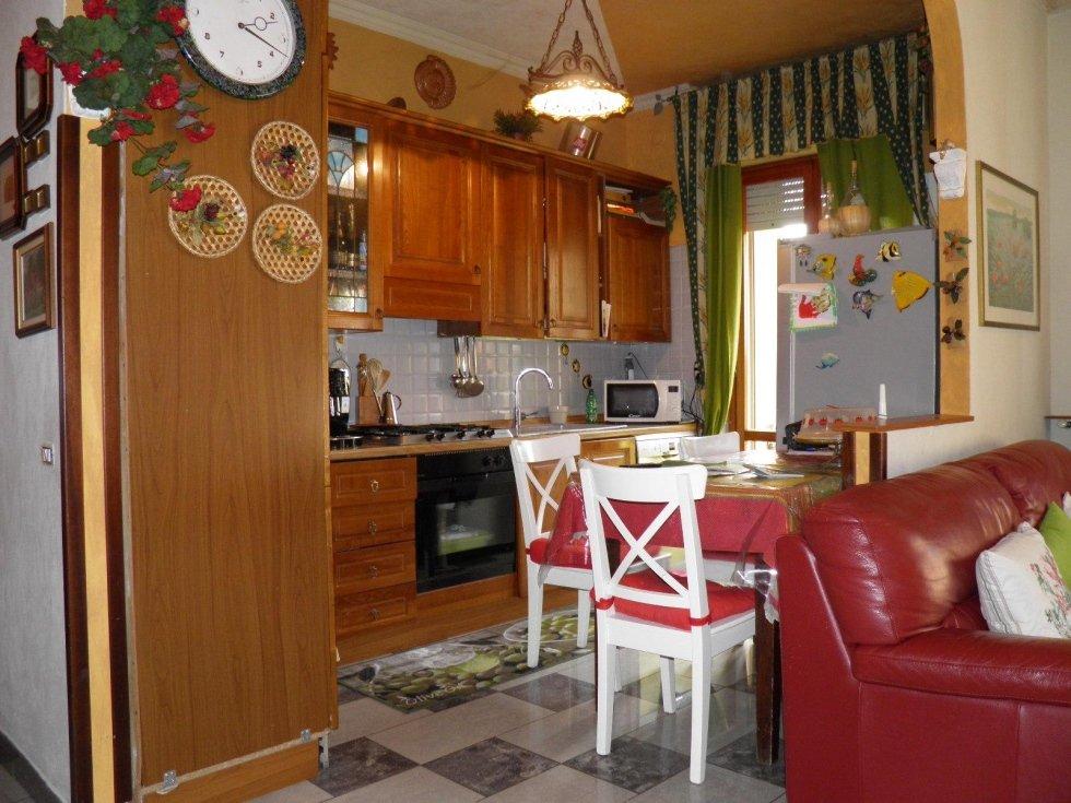 caponago 3 locali doppi servizi agenzia immobiliareviverecasa.com