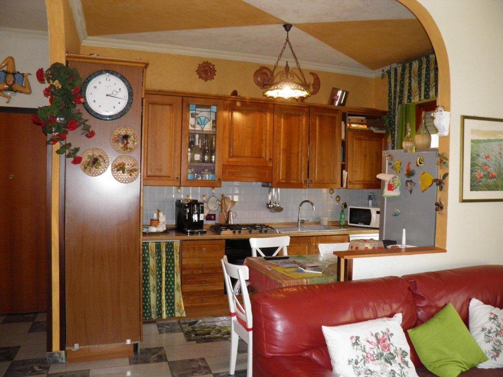 cambiago 3 locali doppi servizi agenzia immobiliareviverecasa.com2