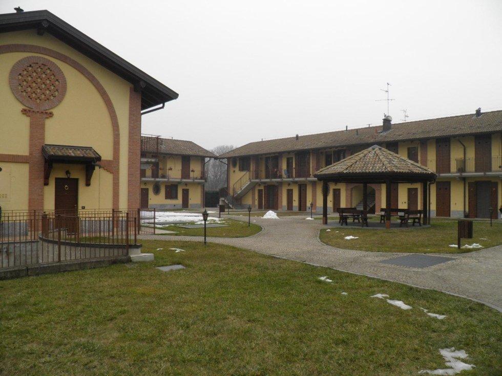 casa 3 locali, trecella1