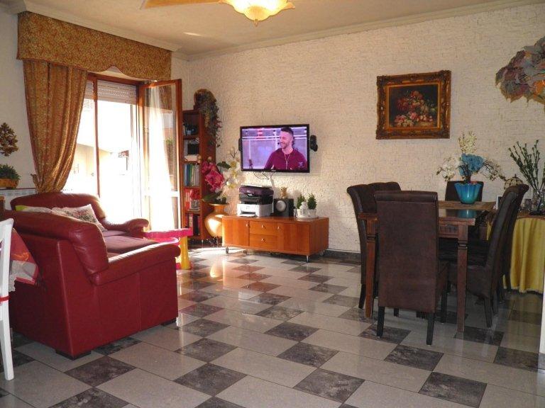 bellinzago lombardo 3 locali doppi servizi agenzia immobiliareviverecasa.com