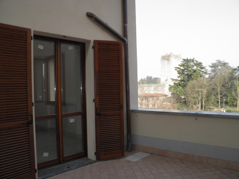 agenzia immobiliare vivere casa bellusco 3 locali vista castello2