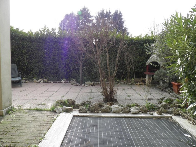 monolocale giardino cambiago4