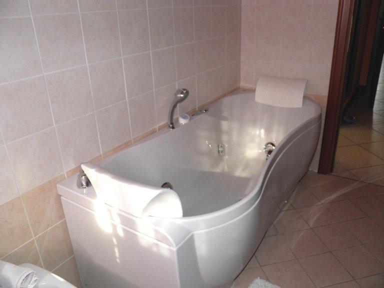 doppi servizi vasca idromassaggio3