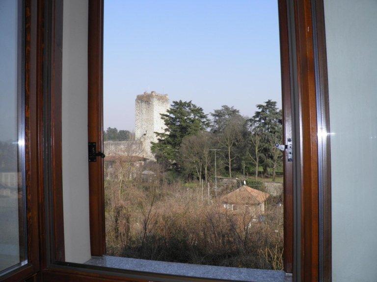 agenzia immobiliare vivere casa bellusco 3 locali vista castello1