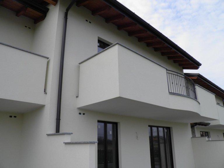 4 locali doppi servizi terrazzi agenzia immobiliare vivere casa cambiago