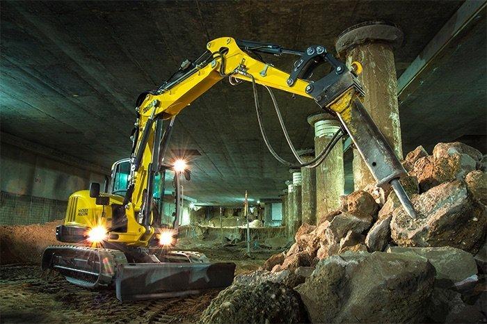 escavatori cingolati