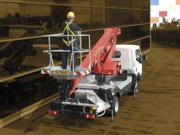 Piattaforma autocarrata 16 metri