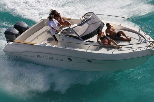 barca bimotore