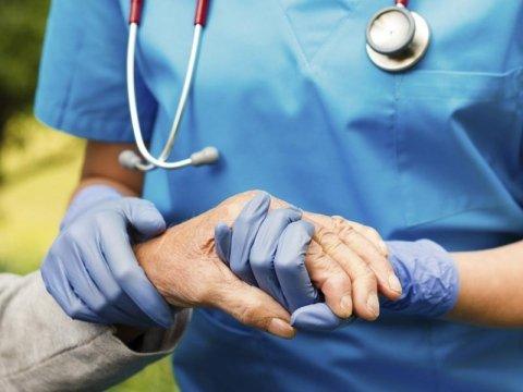 assistenza anziani non autosufficienti