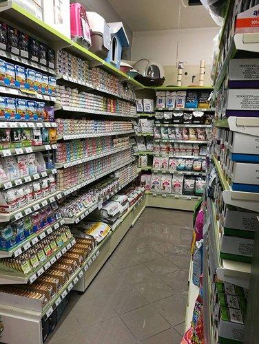 lungo corridoio con prodotti