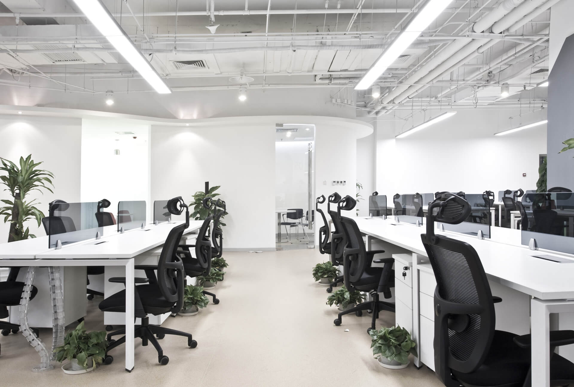 Office desking, task chairs & LED lighting