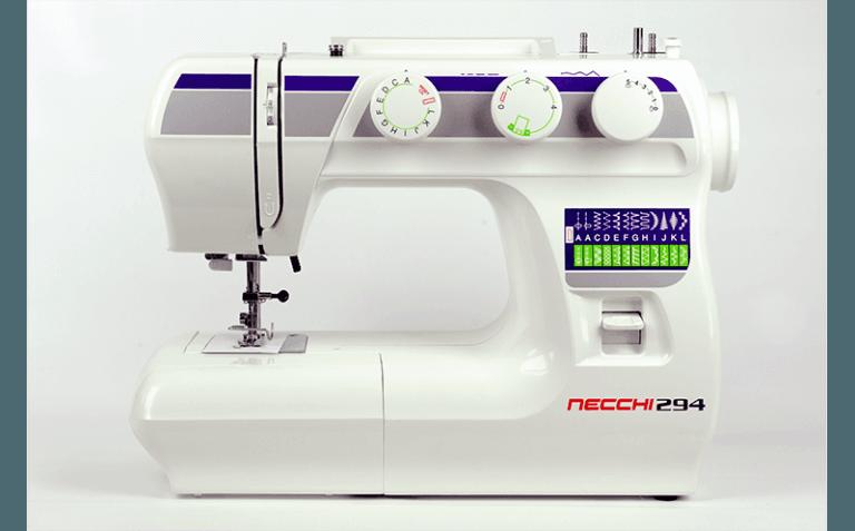altra macchina per cucire necchi