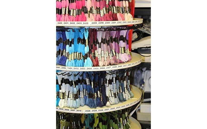 cucito fili colori