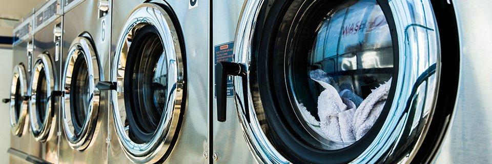 Le lavatrici di LAVANDIAMO ROSY LAVAGGIO SELF a Moncalieri, in provincia di Torino
