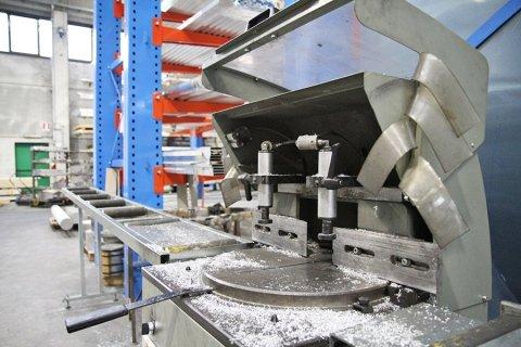 taglio personalizzato alluminio