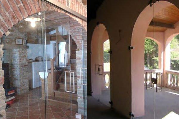 Vista esterna e interna delle porte di vetro